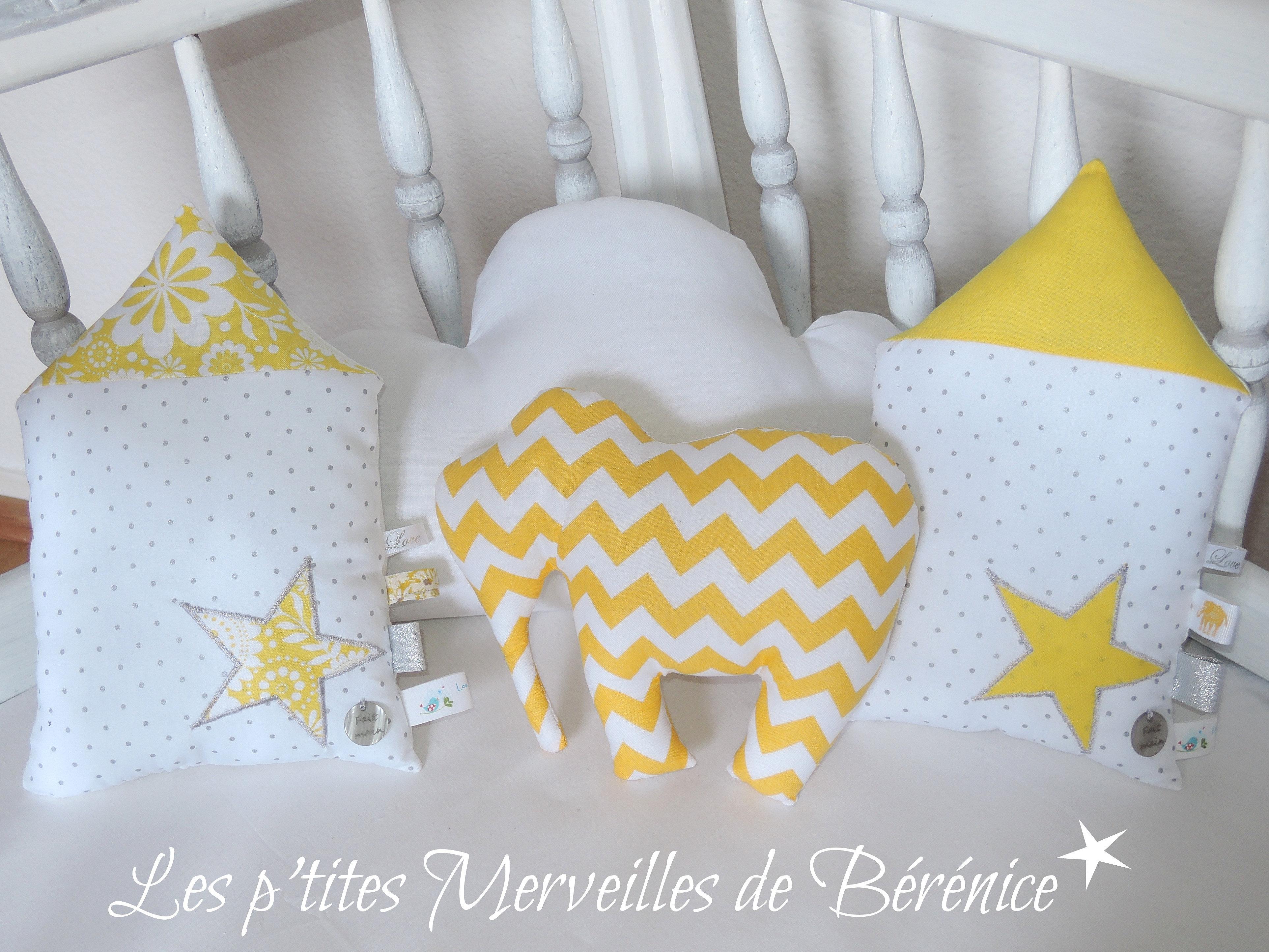 les p 39 tites merveilles de b r nice coussins d co en jaune et blanc. Black Bedroom Furniture Sets. Home Design Ideas