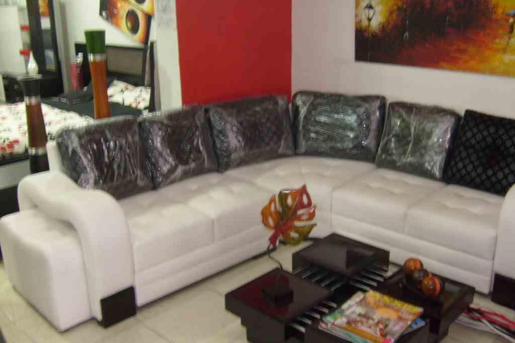 Muebles esquineros para sala for Sofas modernos barcelona