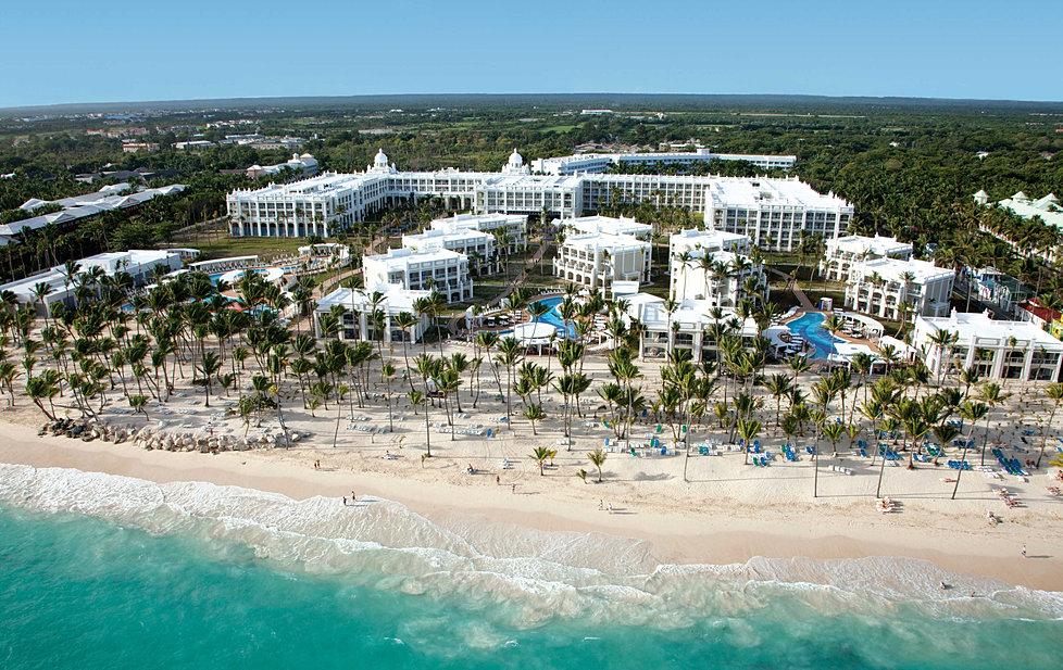 Panoramica Hotel Riu Palace Bavaro Punta Cana.jpg