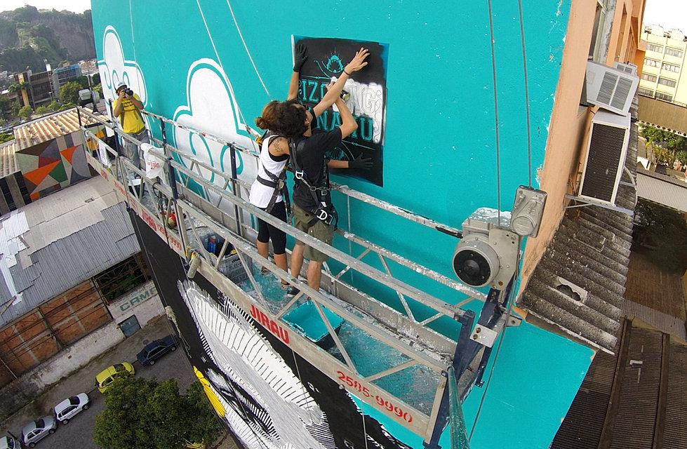 The World's Largest Stencil, o maior stencil do mundo, biggest stencil, stencil, izolag, anahu, ananda nahu, streetart rio de janeiro, streetart rio, urban art, mural, muralism, muralist, kings, firme forte records