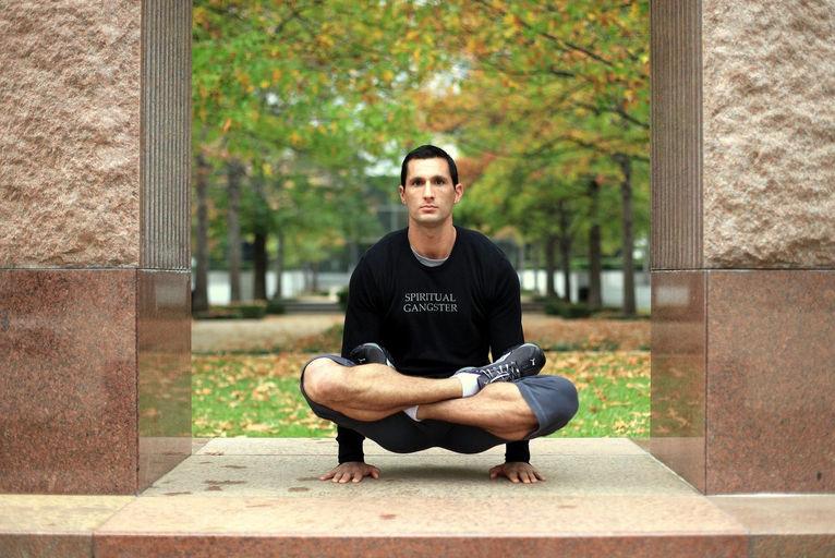 yoga pinto