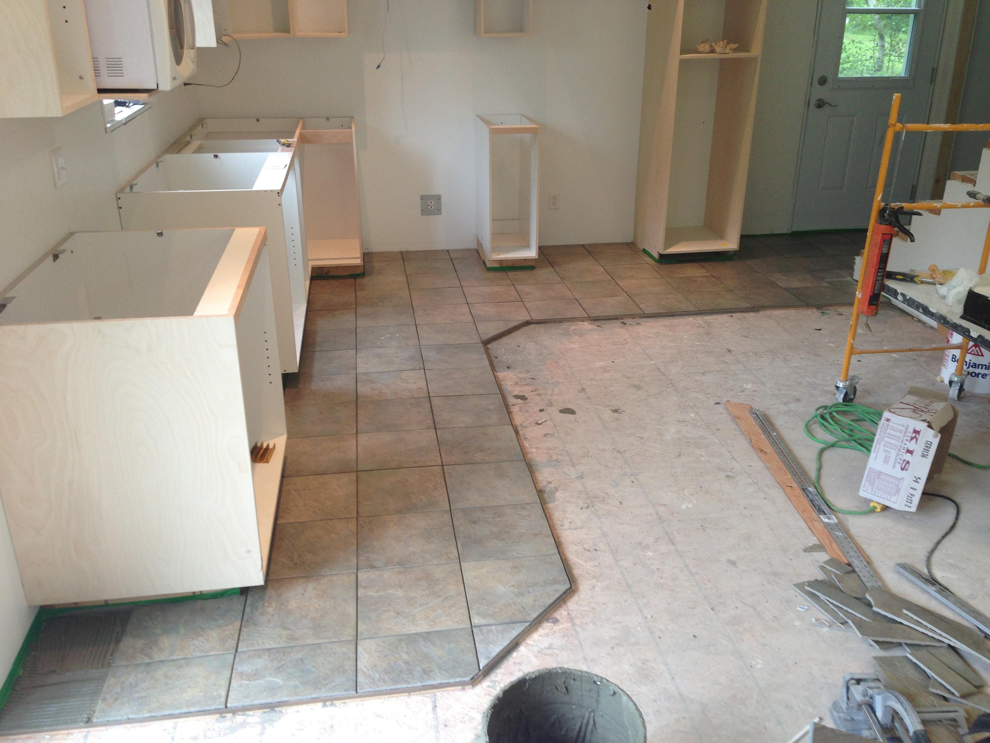 Dilex construction r novation salle de bain et r novation for Plancher flottant pour salle de bain