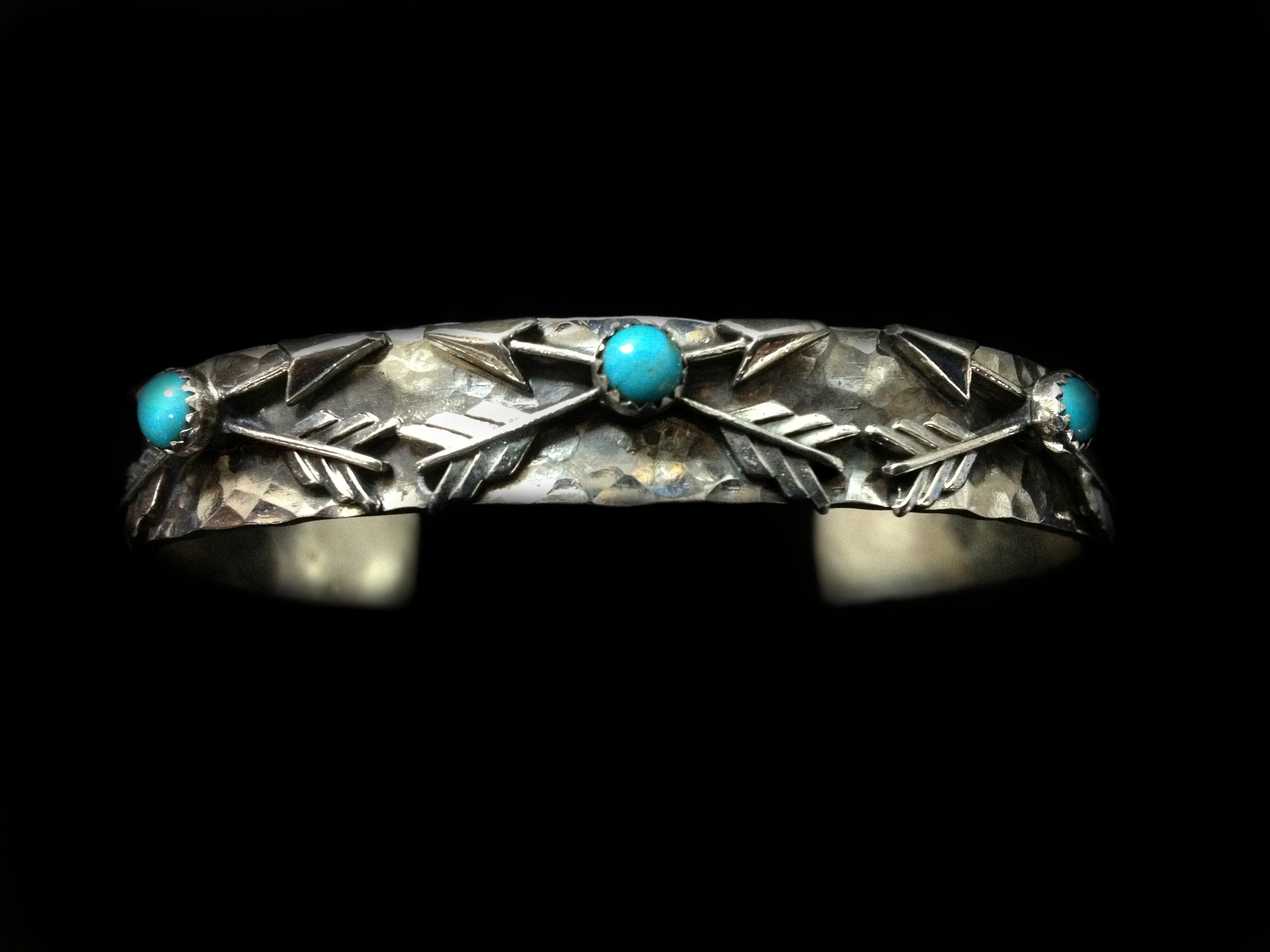 richard schmidt jewelry design crossed arrows cuff