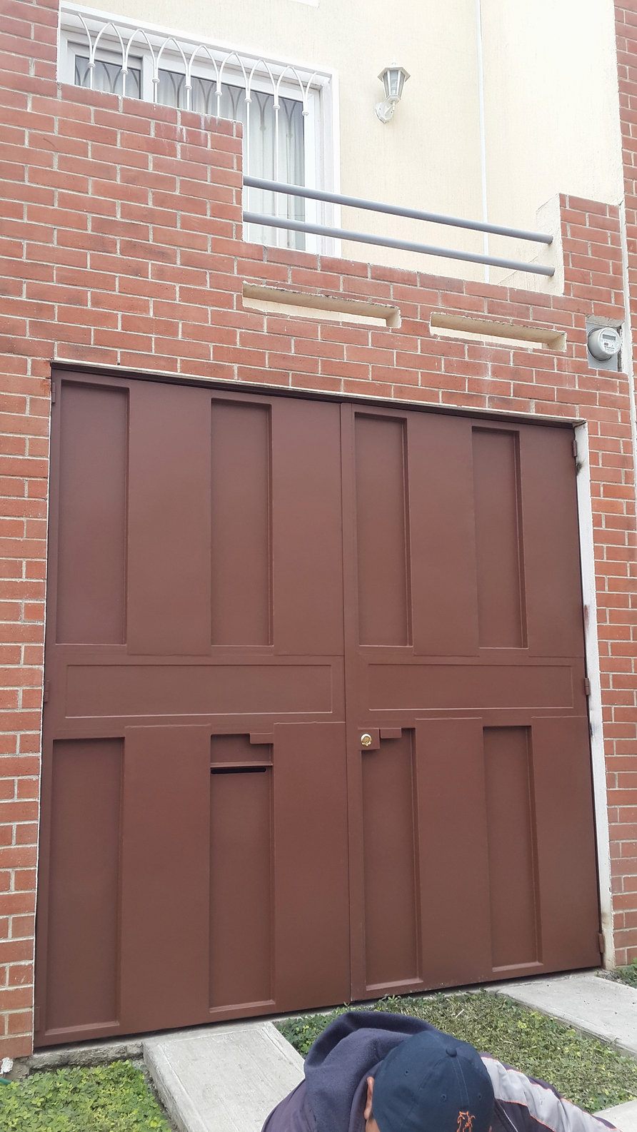Fabrica de estructuras metalicas y herreria portones for Fotos de puertas de metal