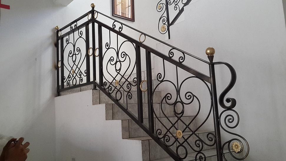 Puertas, Portones y Estructuras Diversas de Metal El
