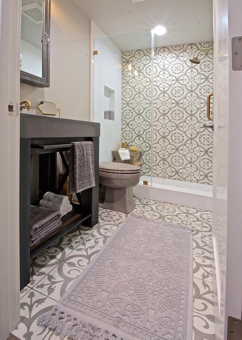 Ridgecrest Designs Eclectic Guest Bathroom - Eclectic bathroom designs