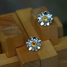Daisy Earrings with Citrines