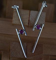 Long Mini Cross-over Earrings
