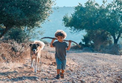 dorit-lombroso-boy-with-dog
