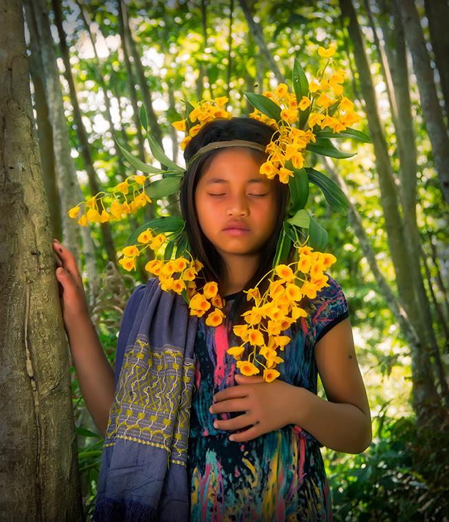 Dorit-Lombroso-girl-dreaming-in-forest