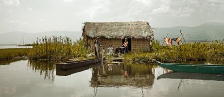 Dorit-Lombroso-hut-on-floating-island