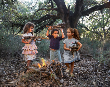 dorit-lombroso-kids-with-bonfire