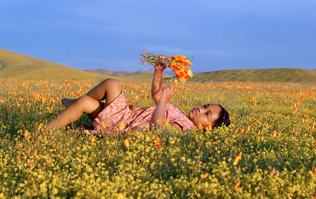 dorit-lombroso-girl-in-flower-field