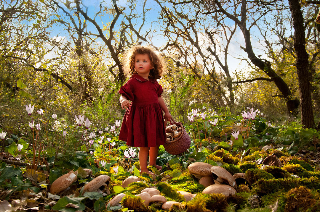 dorit-lombroso-girl-picking-mushrooms