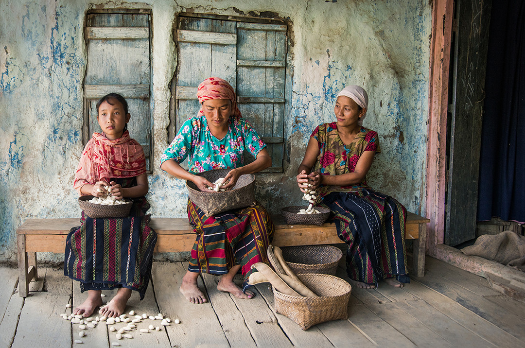 Dorit-Lombroso-women-with-beans