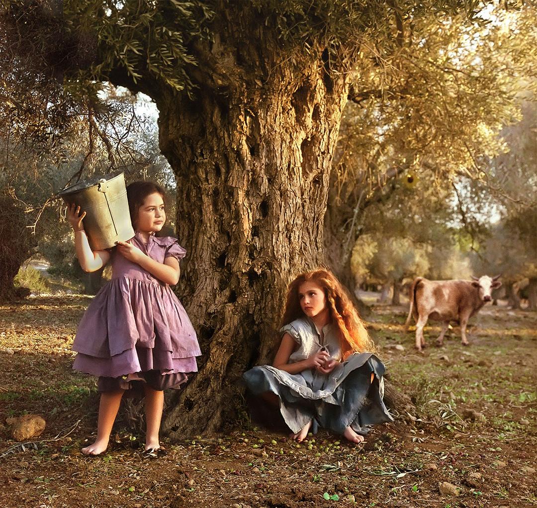 dorit-lombroso-girls-in-olive-grove