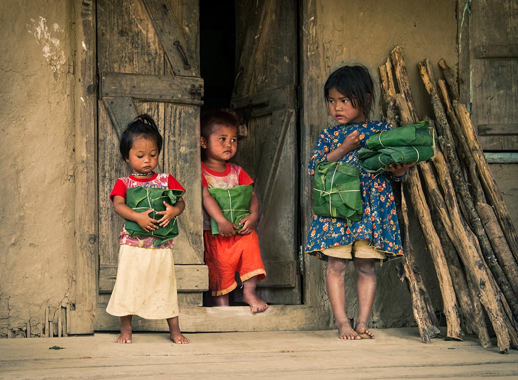 Dorit-Lombroso-kids-with-rice