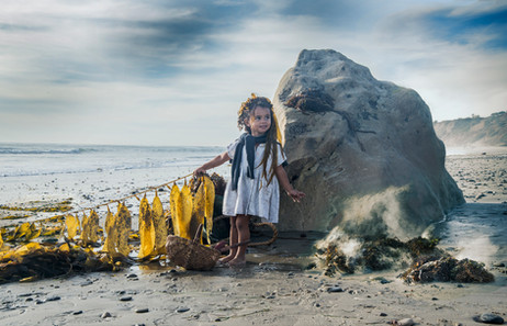 Dorit-lombroso-photography-girl-with-kelp