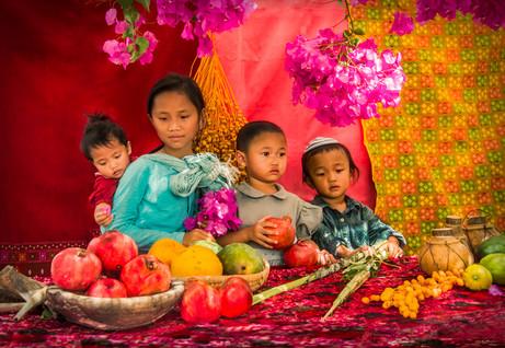 Dorit-Lombroso-children-in-sukkot