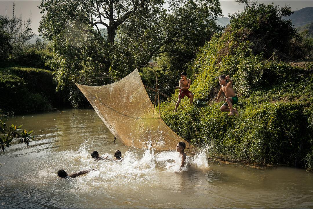 Dorit-Lombroso-children-fishing