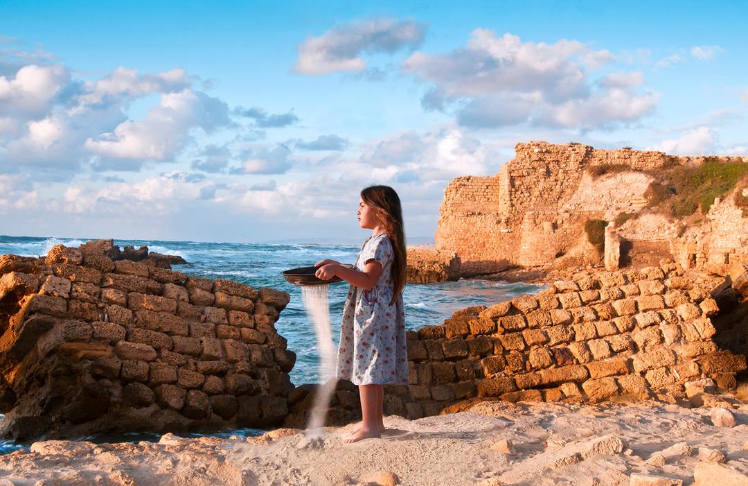 Dorit-Lombroso-Photography-girl-among-ruins-eternity