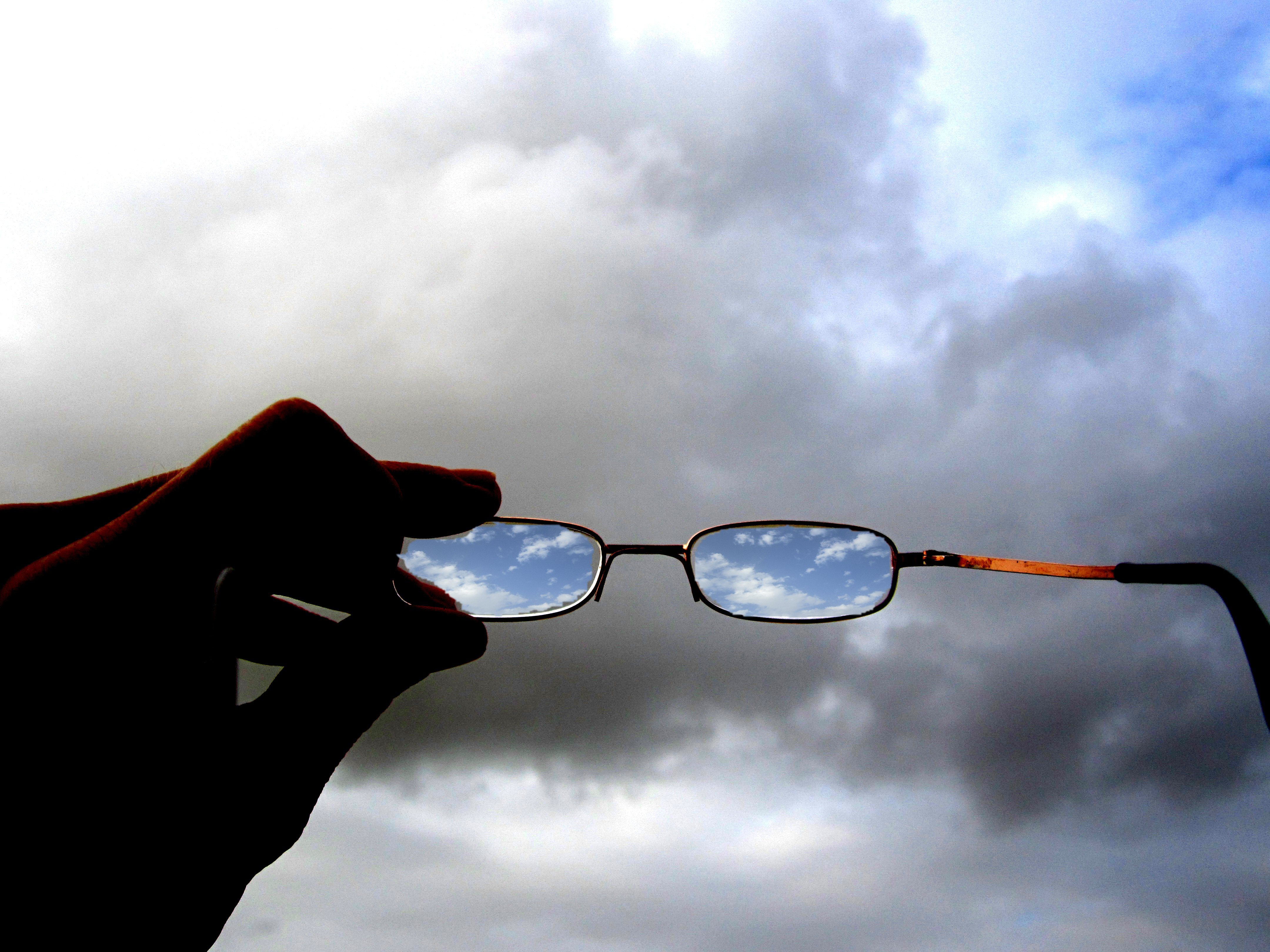Optimistic glases