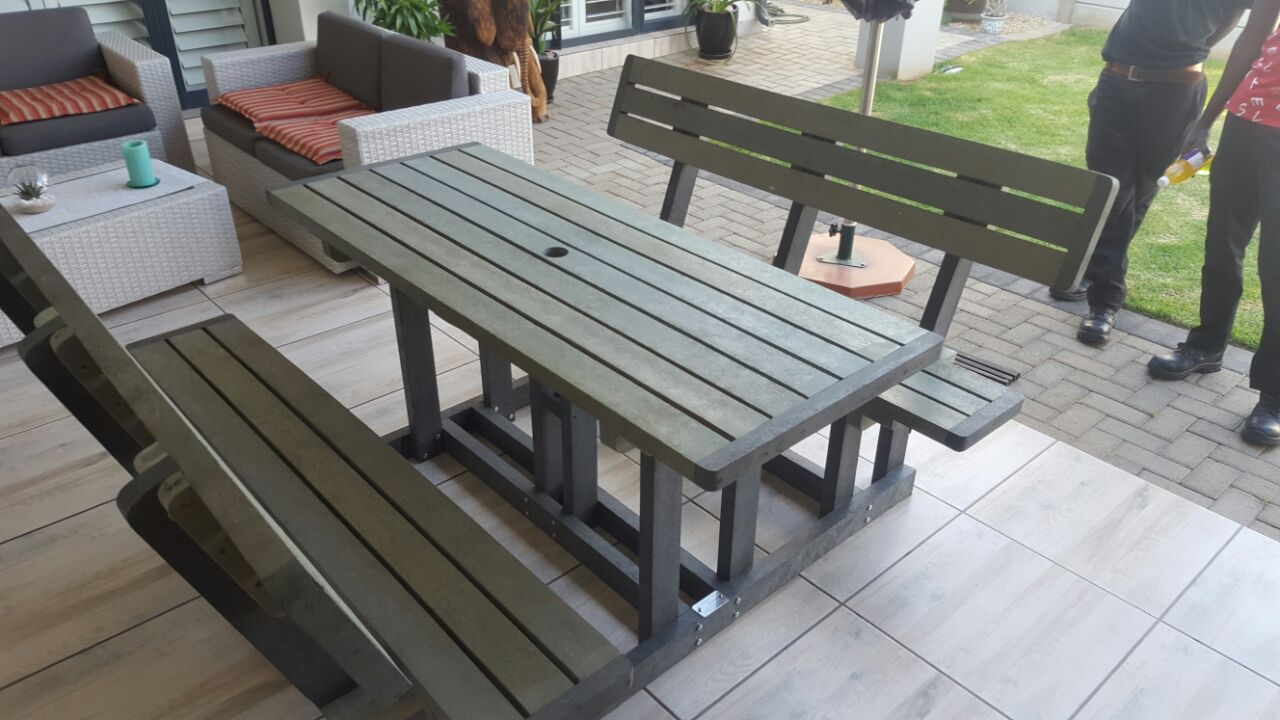 6 Seater Deluxe Picnic Bench Set