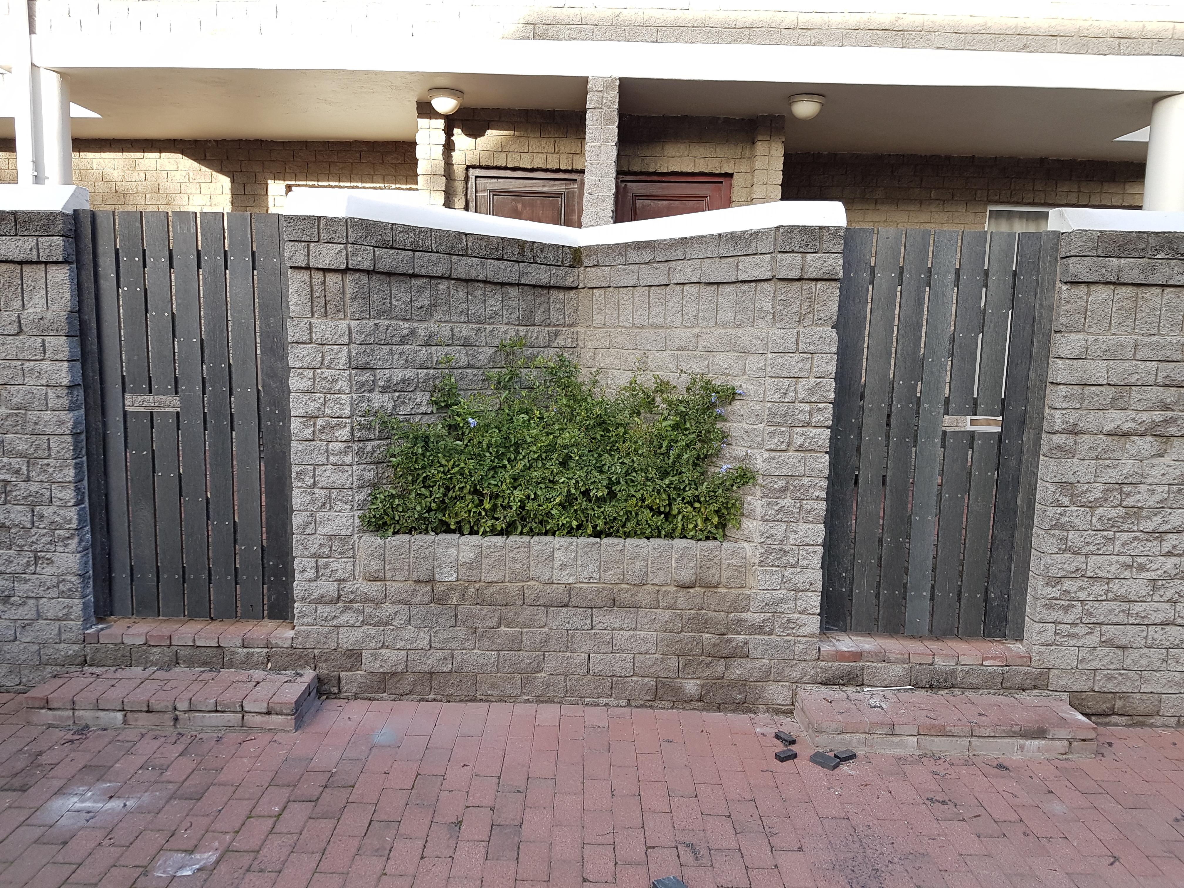 Standalone Gate