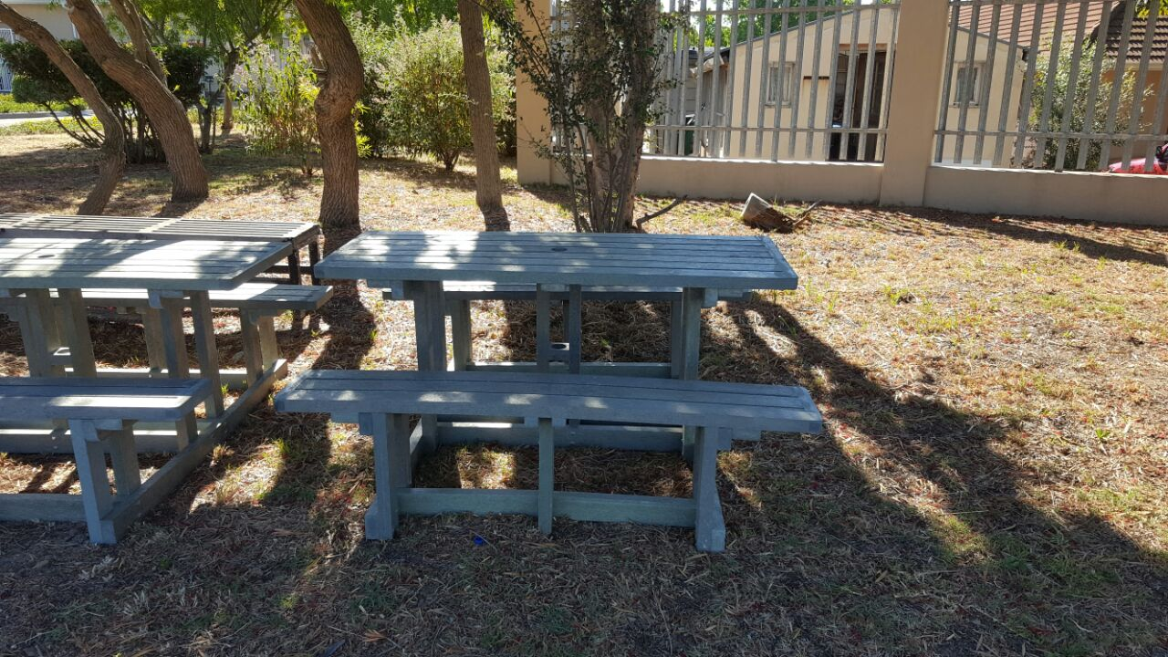 8 Seater Picnic Bench Set