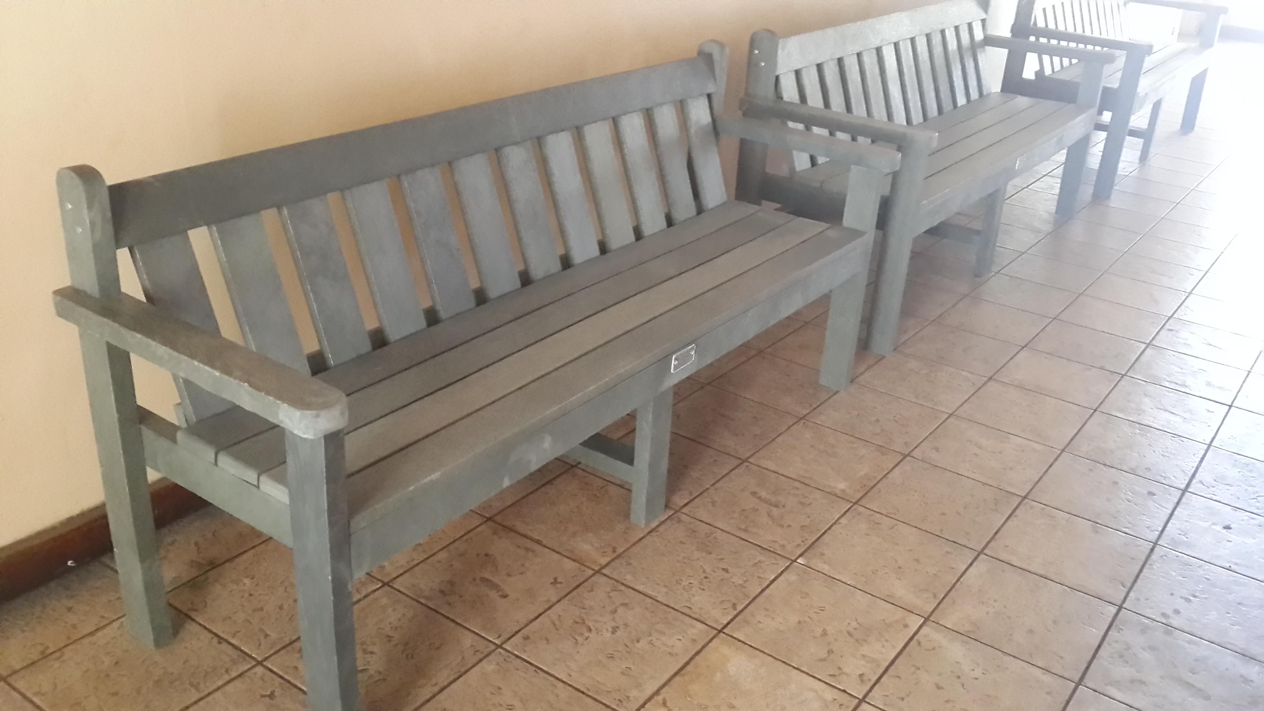 4 Seater King Bench