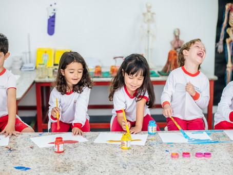 Nossas crianças aprendem brincando!