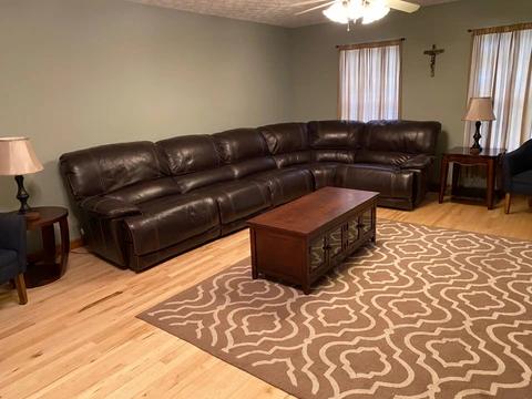Living_Room_3_recliners_6ce6e000-b766-4b