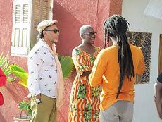 Wagane Gueye, président des Ateliers du Vau en compagni de Nicolas Sawalo Cissé et de