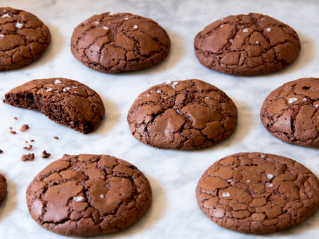 #DistractiBaking: Easy, Salted Chocolate Fudge Cookies Recipe