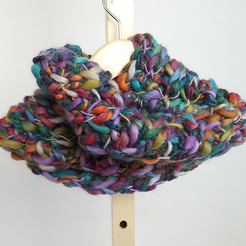 Multicolor Thick and Thin Yarn Circular Cowl
