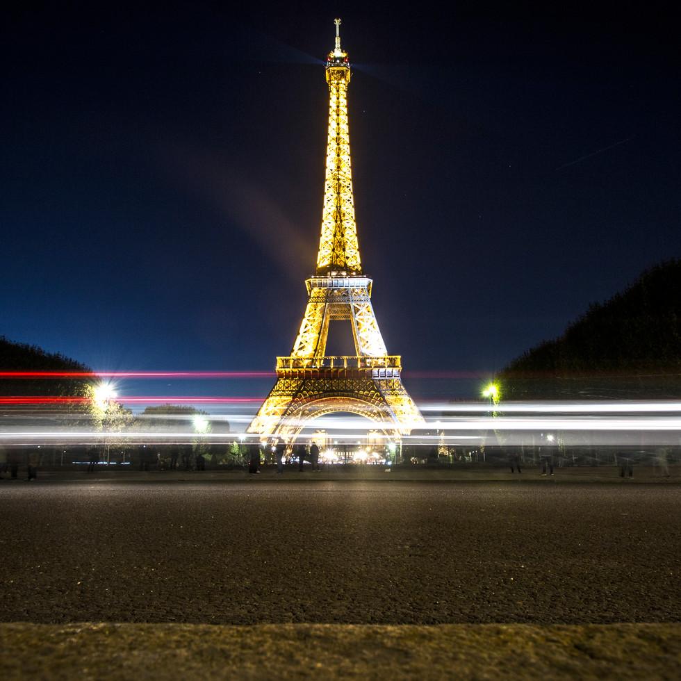 Eiffeltårnet_kveld.jpg