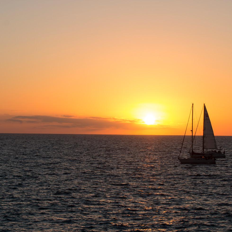 Båter_i_solnedgang.jpg