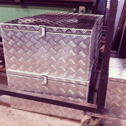 Aluminium Checker Plate Trunk