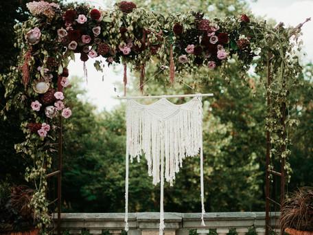 Choosing Wedding Flowers and Decor  | Wedding Planning Tips
