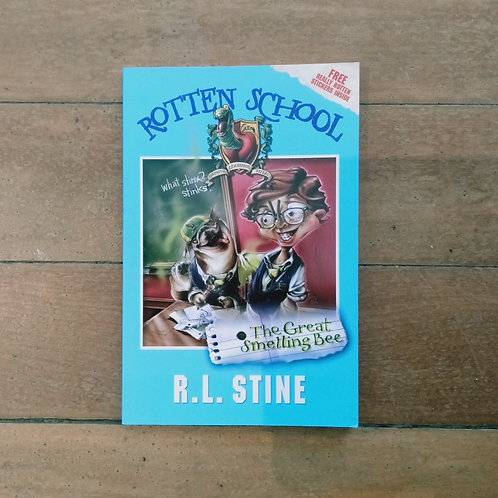 The Great Smelling Bee (Rotten School #2) by R.L. Stine (soft cover, good cond)