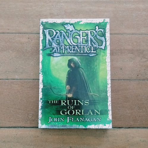 The Ruins of Gorlan (Ranger's Apprentice #1) by John Flanagan (soft cov, good)