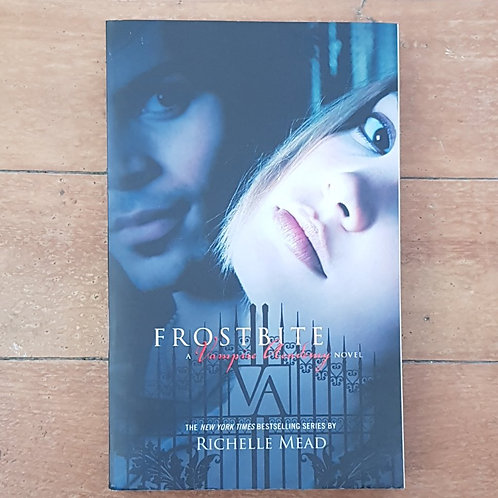 Frostbite (Vampire Academy #2) by Richelle Mead (soft cov, good cond)