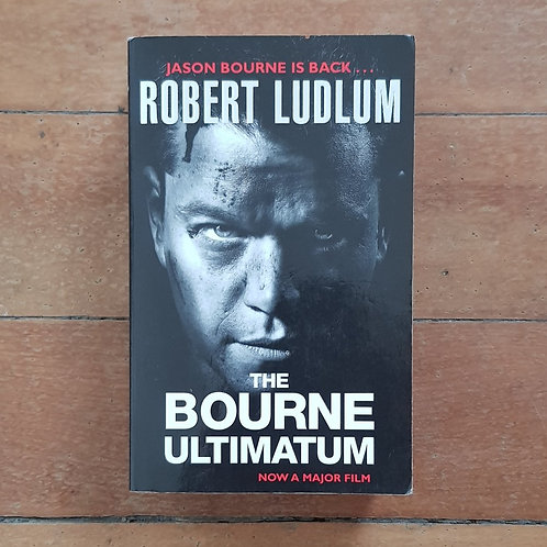 The Bourne Ultimatum by Robert Ludlum (soft cover, good condition)