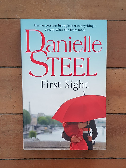 First Sight by Danielle Steel (soft cover, good condition)