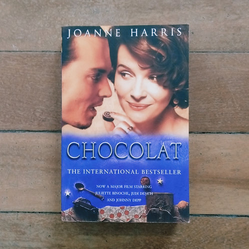 Chocolat (Chocolat #1) by Joanne Harris (soft cover, good conditon)