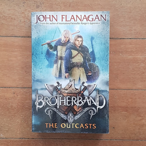 The Outcasts (Brotherband Chronicles #1) by John Flanagan (soft cover, fair cond