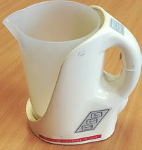 This image shows a talking measuring jug.