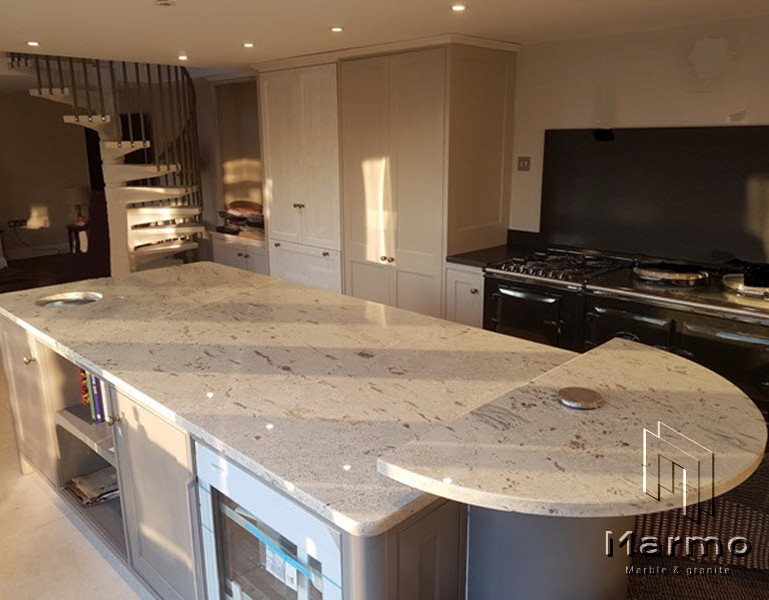 Kashmir-White-worktop-with-end-snack-top