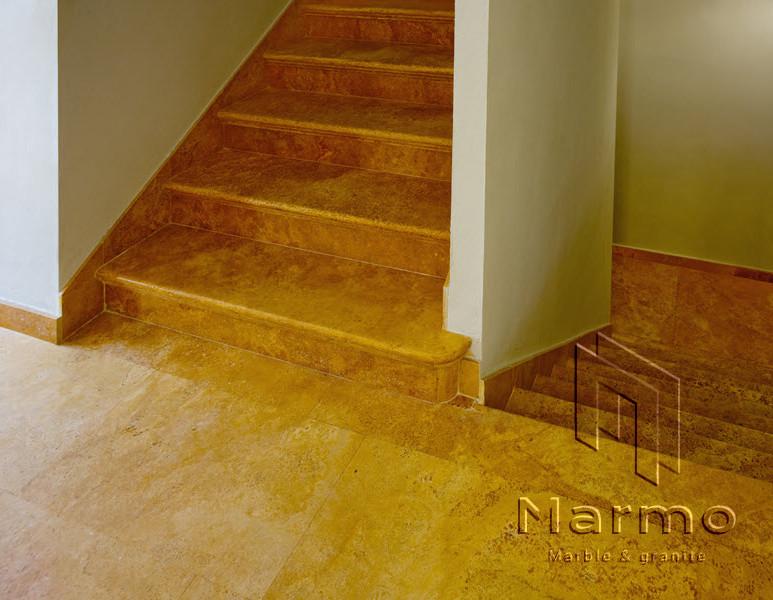 scala-in-travertino-giallo.jpg