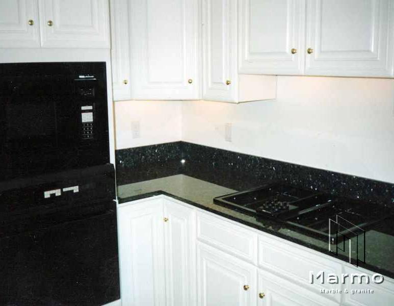 emerald-pearl-granite-countertops-33724